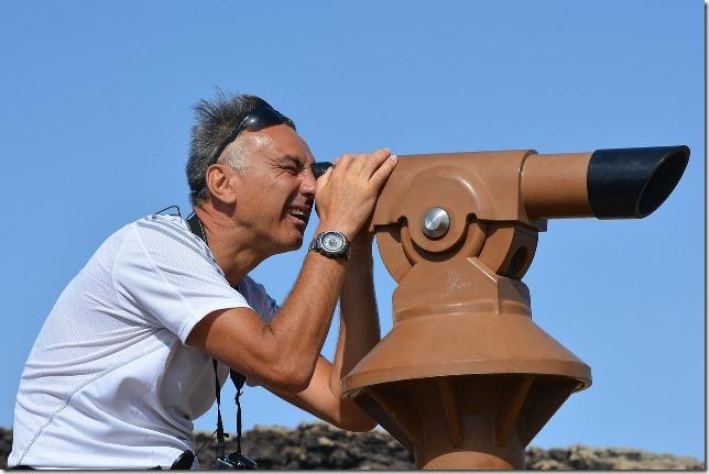 binoculars-436959_1280