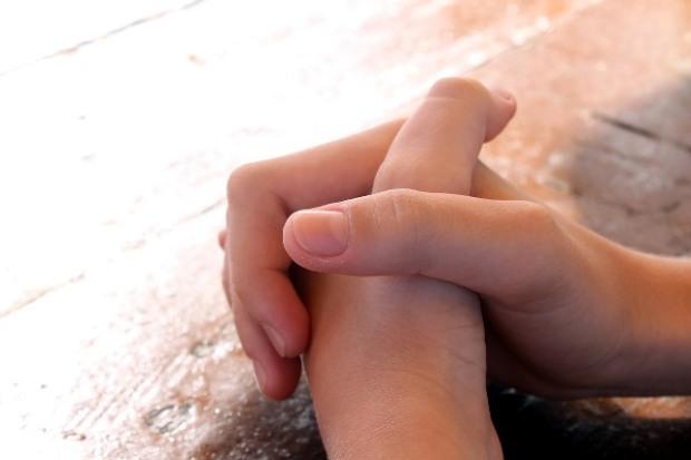 praying-614374_1280